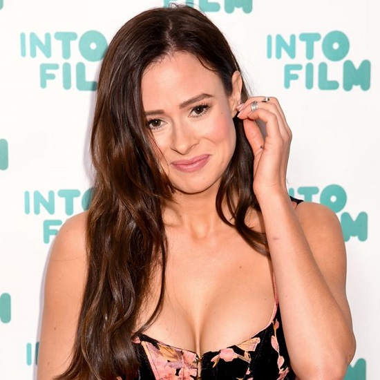 Love Island Camilla Thurlow: Her Relationship, Anxiety And Mental Struggle!!