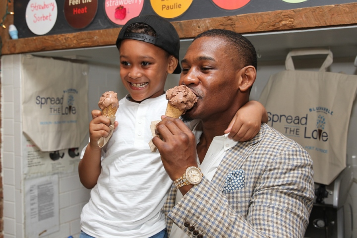 Daniel-Jacobs-with-his-son