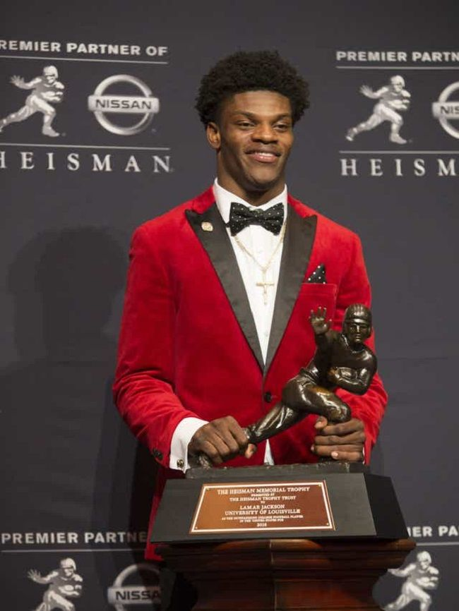 Jackson-wins-Heisman-Trophy