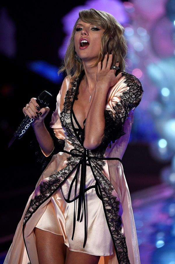 taylor swift height and body measurement