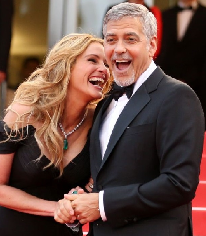 George Clooney cheating wife Amal with Julia Roberts!