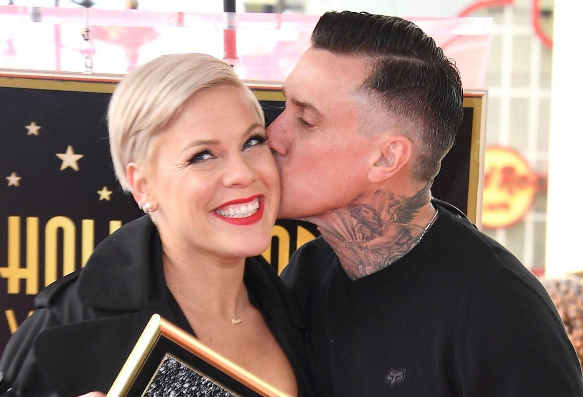 singer pink with husband carey hart
