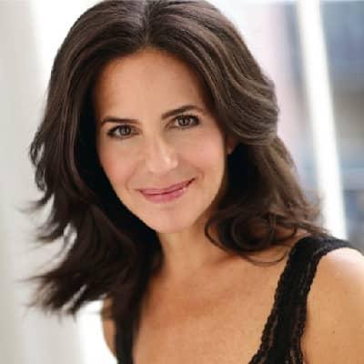 Julie Lauren Curtis
