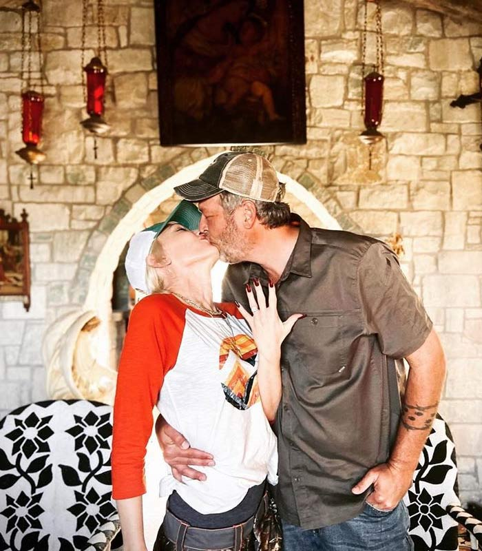 Gwen Stefani Engagement Ring From boyfriend Blake Shelton Is Worth Up to $800k