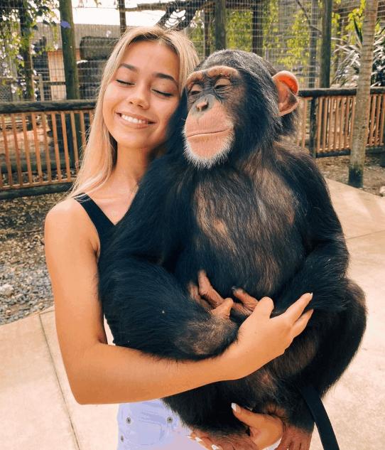 Ivanita Lomeli From 0 to 5 Millions Friends